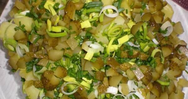 Kartoffelsalat Niemiecka Salatka Ziemniaczana Przepis Pesteczka